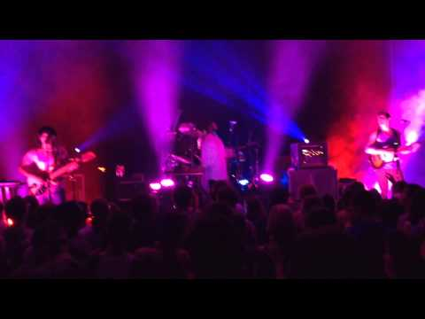 Yeasayer - Don't Come Close / Madder Red (Live at Chihuahua, Mexico)
