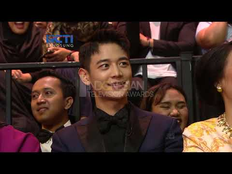 "Pemenang Special Awards ""MINHO SHINee"""