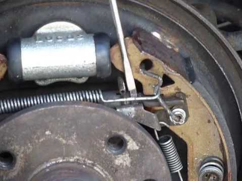 Repairing Astra Brakes Adjusting Rear Drum Brakes Youtube