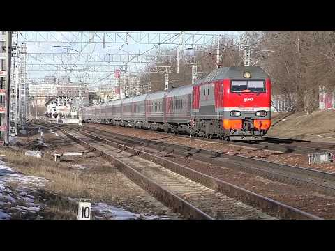 Электровоз ЭП2К-353 (ТЧЭ-33) с пассажирским поездом №379Й Москва - Камышин.
