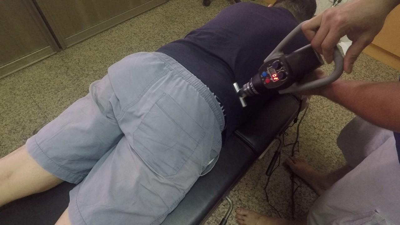筋肌膜放鬆槍 腰部肌群放鬆 - YouTube