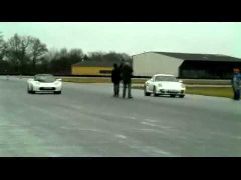 Tesla Roadster Sport VS Porsche 911 turbo (Motorsport)