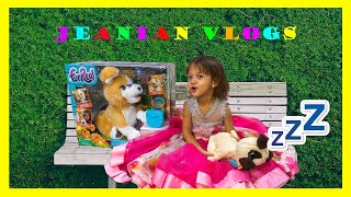 Фото JEANIAN Enjoys Unboxing Her New FurReal Toy. New Best Friends. Kids Video Show