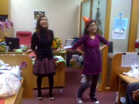 Chuyện tình hai con heo @ VPBank Noel Party 2009