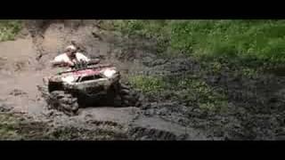 Bergoo Mudding BRUTE FORCE 750 clip 1