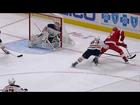 11/22/17 Condensed Game: Oilers @ Red Wings