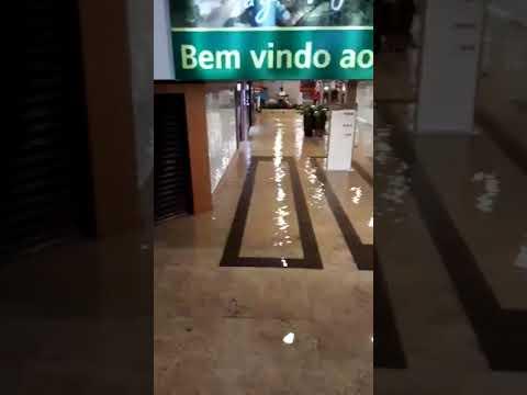 Shopping de Várzea Grande alagado 10-11-2017