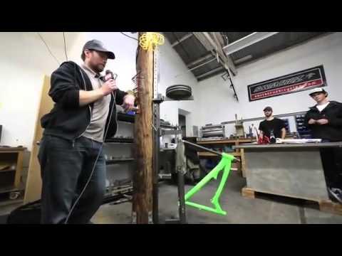 Тест на прочность карбоновой и алюминиевой рамы