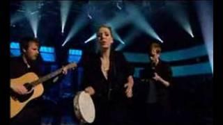 Lykke Li - Little Bit (Live on Jools Holland)