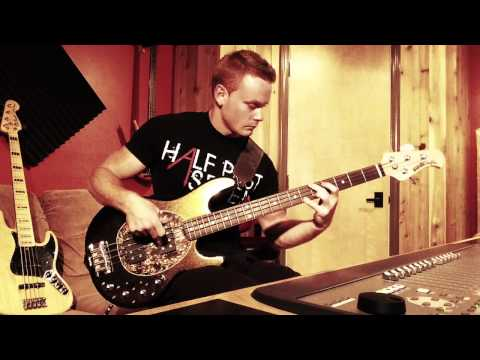 Bass Comparison Finger style : Jazz Bass/Stingray/Thumb