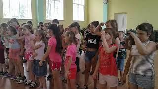 Луганская библиотека для детей в гостях у ребят из пришкольного лагеря ''Солнышко'' шк. №12 г.Луганск