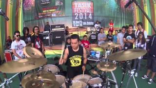 rifki 13 playing 7 kurcaci hidup at tasikmalaya drum fest