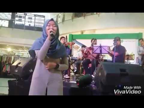 Pandawa Group Keroncong @niken_prabandari ( Hartono Mall Surakarta )