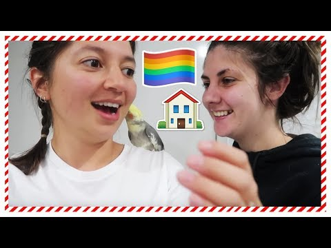 A HOUSE FULL OF LESBIANS | VLOGMAS DAY 8 | Chelsea & Natalia thumbnail
