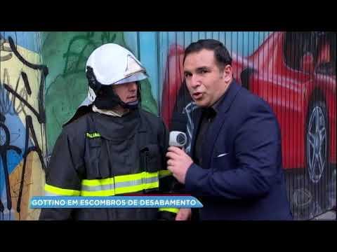 Gottino conversa com moradores de prédio incendiado em SP