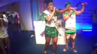 Baixar CARNAVAL 2017: Cantora Iza é coroada a Musa do Camarote QUEM/ O Globo