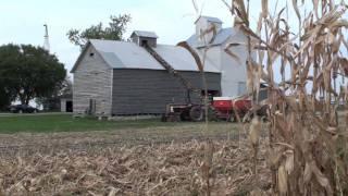 New Idea Corn Picker And Corn Crib