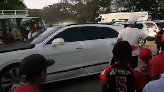 Robinson Canó llega con su auto a La Altagracia