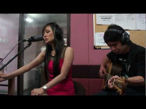 Devita Christiani - When You Believe (cover song from Whitney Houston) - @ Cosmopolitan FM