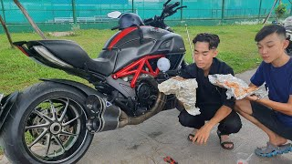 Lấy Siêu Xe Ducati 1200cc Đi Ăn Sáng.