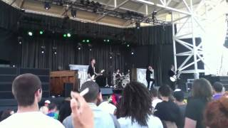 Crown The Empire-Johnny Ringo Live-Summerfest 2012