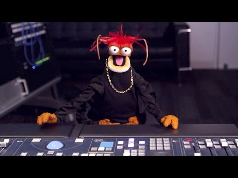 Pepe The King Prawn Takes Charge at YouTube Space L.A. |  The Muppets