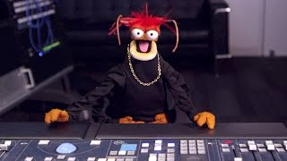 Pepe The King Prawn Takes Charge at YouTube Space L.A.    The Muppets