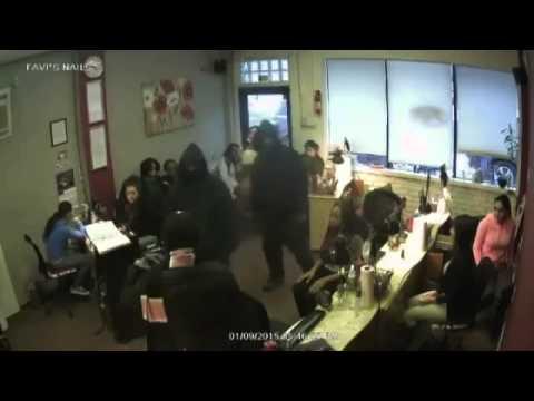 Detroit  Hai tên cướp xông vào tiệm nail