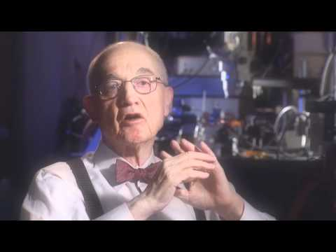 Spark of Genius: The Story of John Bardeen at the University of Illinois
