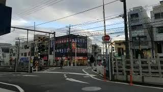 大泉学園駅近くの踏切にて電車撮影