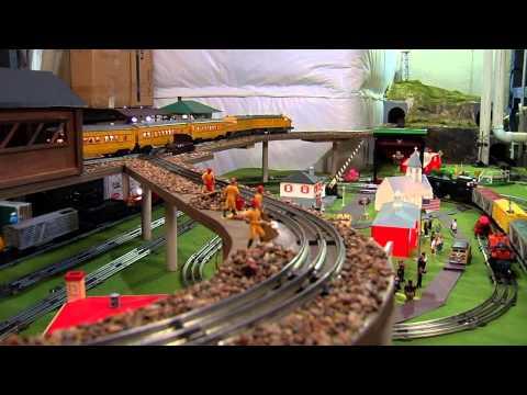 Jerry's Lionel Train Set-Up