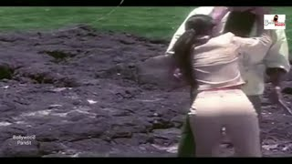 Karishma Kapoor Hot Big Booty & Wet Assets Exposed
