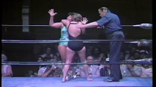Vicki Williams vs Irma Gonzalez (1980/05/30)