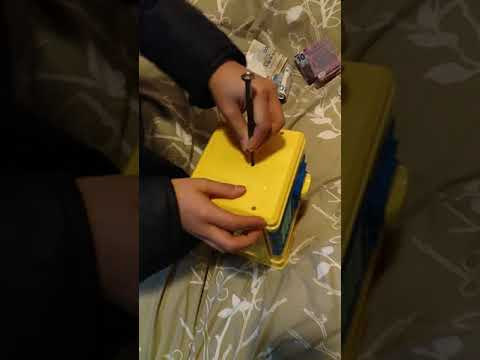 How to open the minions safe box?