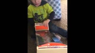 Unboxing Polar Express Baggage Car