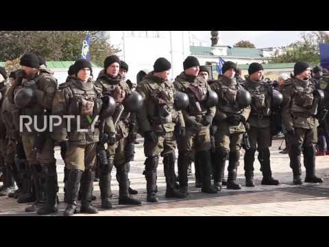 Ukraine: Pro-marijuana protesters scuffle with the far-right during Kiev rally