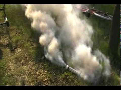 15 май 2012. В этом видео мы научимся получать калиевую селитру из нитрата аммония и хлорида калия. Эта реакция является ионной реакцией обмена. Это видео сделано исключи.