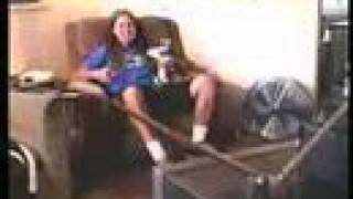 Смотреть клип The Offspring - Mota