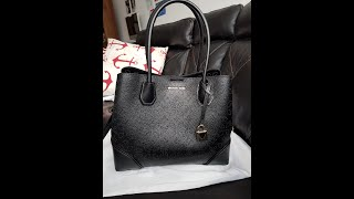 a13edb758b29 michael kors medium mercer gallery review what s in my bag mk logo ...