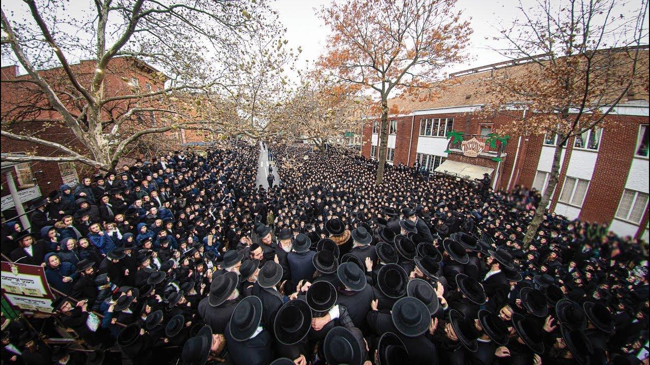 Drone Video - Thousands Escort Satmar Rebbe As He Leaves On Trip To Eretz Yisroel