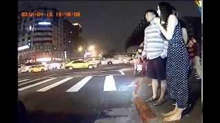 2014-04-13 19:47 光復南路忠孝東路口 車禍