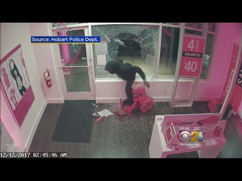 Smash-And-Grab At Hobart T-Mobile Store Caught On Camera