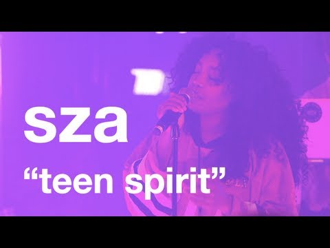 live Performance: SZA #uncapped - vitaminwater & The FADER
