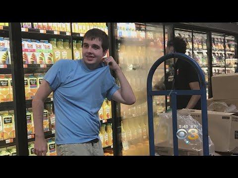 Store Employee Helps Young Man With Autism Stock Shelves