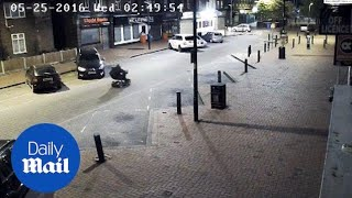 Staggering moment burglars getaway using mobility scooter - Daily Mail