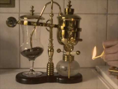 Old School Spanish Coffee Maker : Coffee Maker in Aktion - YouTube