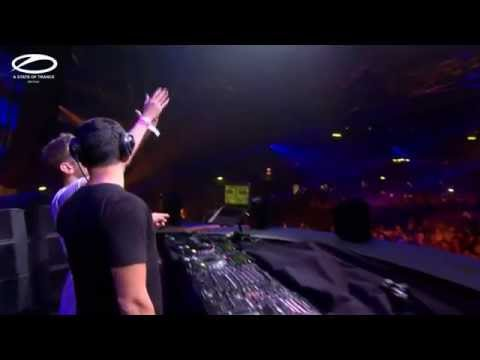 01 Ilan Bluestone B2B Jerome Isma-Ae @ Utrecht/NL - ASOT 700 Festival (Together) [2015-02-21]