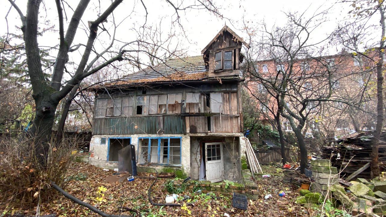 Abandoned House: EVERYTHING LEFT BEHIND - Urban Exploration