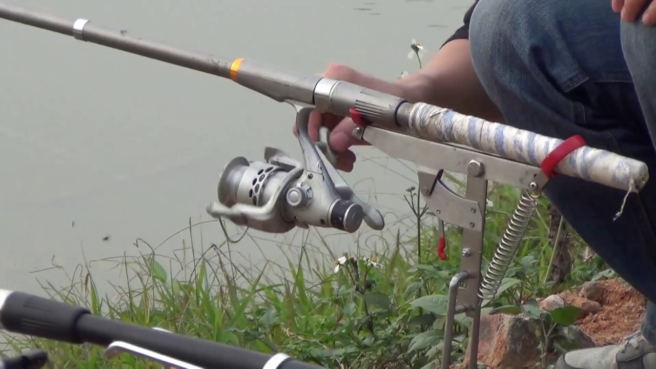 Coolnice automatic fishing rod holder demo youtube for Automatic fishing pole
