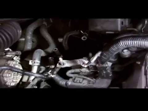 TOYOTA D4D FUEL FILTER REPLACMENT - YouTube
